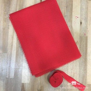 Tela de red roja y cinta