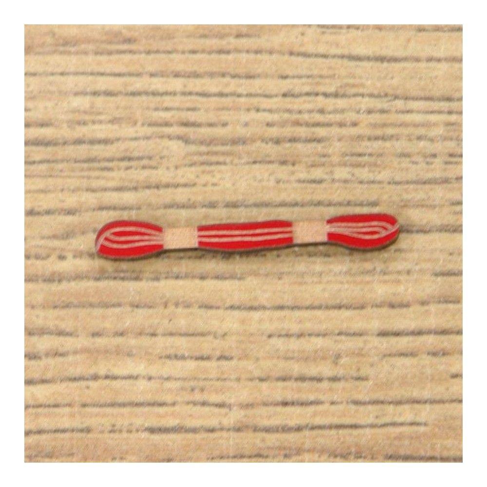 Botón decorativo madeja de hilo