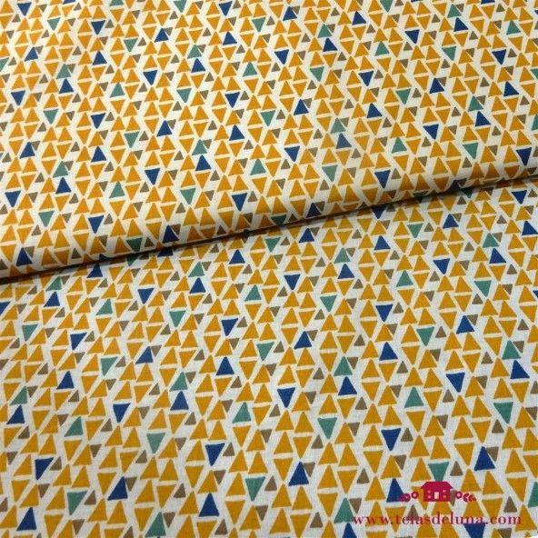 Tela triángulos amarillos y verdes