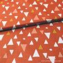 Tela naranja con triángulos