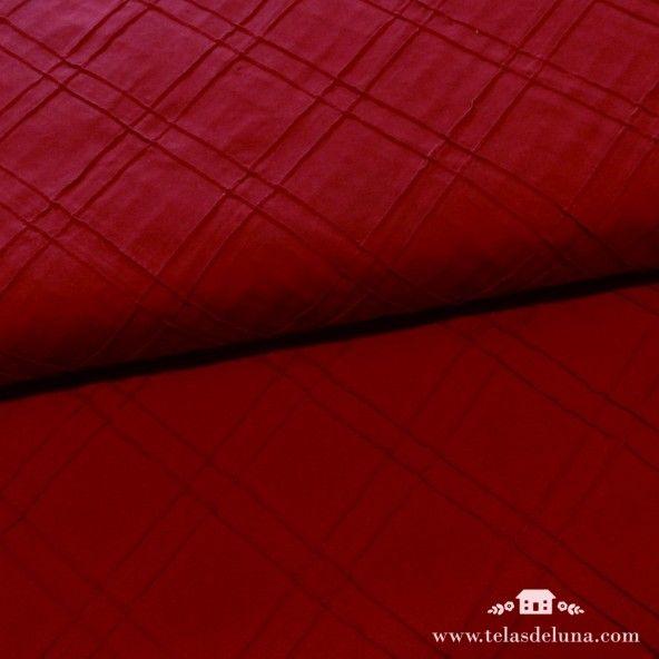 Tela rojo cereza tramada