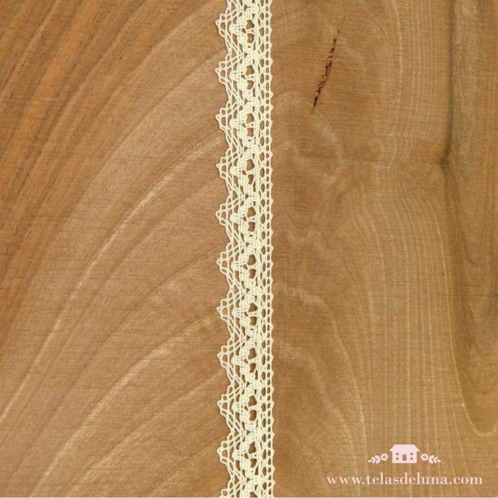 Puntilla algodón color beige acabado en punta 20mm