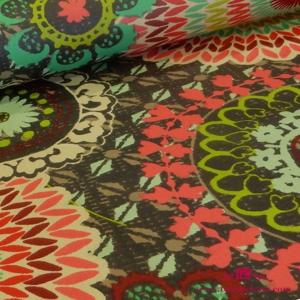 Mantel antimanchas negro flores coloridas
