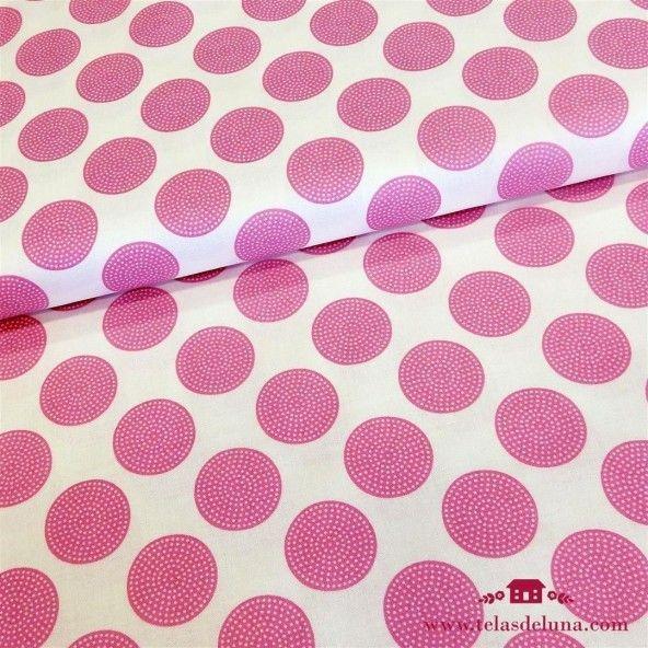 Tela Tilda circulo rosa de topos