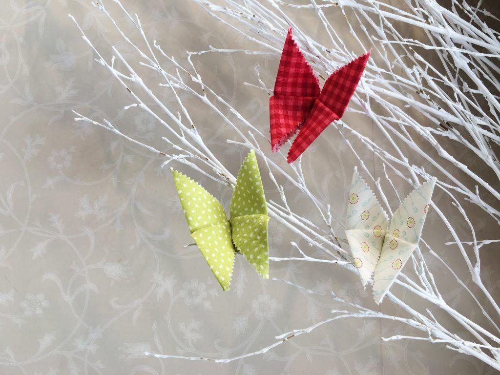 Mariposa de origami con tela patchwork