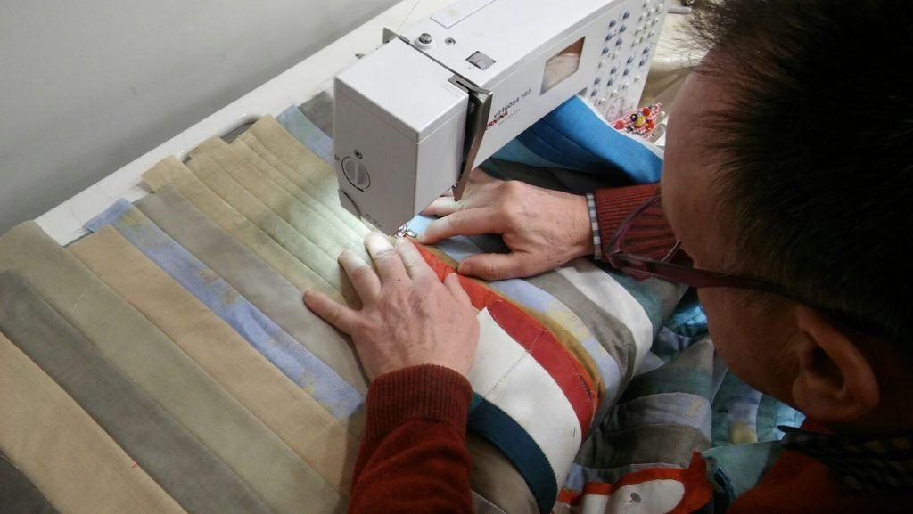 Costura patchwork trabajo telas de luna kit barca sitges